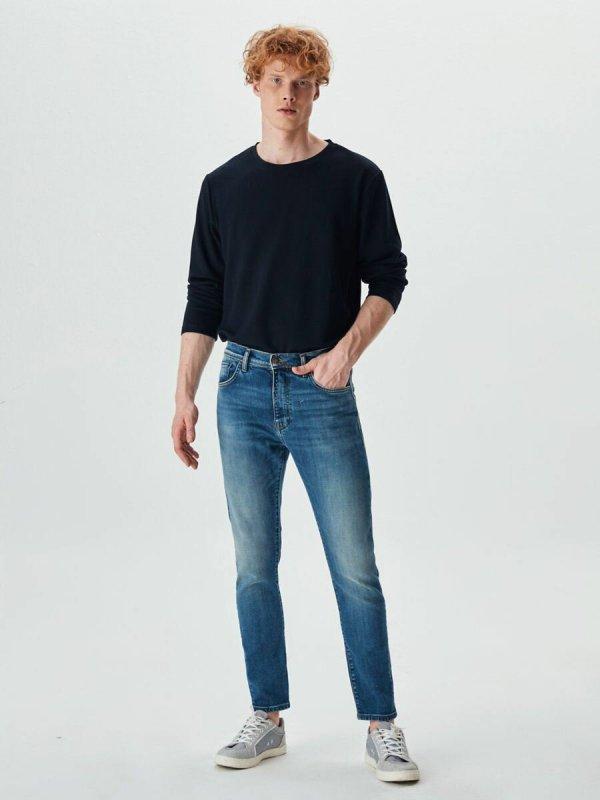 Louıs Y Smokey Undamaged Jeans